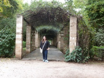 Natalie and I both agreed that if we were to have dream gardens, we'd want an archway like this!